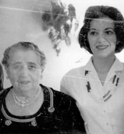 Harriet w Grandma Rosie